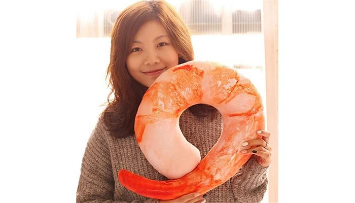 shrimp-travel-pillow